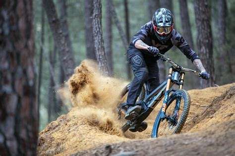 YT TUES 2018: Neue Generation World-Cup-Downhillers