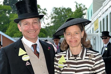 Queen's niece halts neighbour's plan for 'his and hers